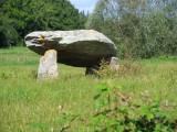 dolmen de la roche aux loups