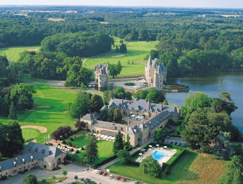 Domaine de la Bretesche - Missillac entre Nantes et Vannes - vue aérienne