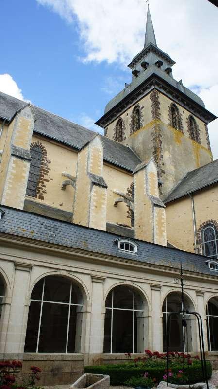 Eglise abbatiale - Saint-Gildas-des-Bois